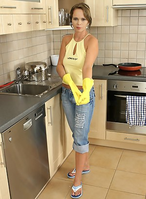Housewife Porn Pictures