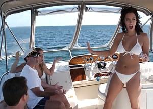 Free Boat Porn Photos