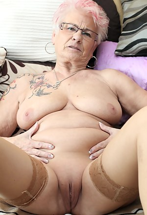 Saggy Tits Porn Pictures