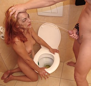 Raunchy mature sex on the toilet