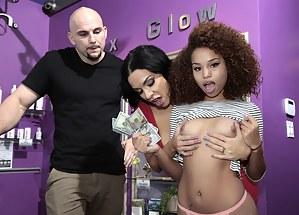 Free Ebony Porn Photos